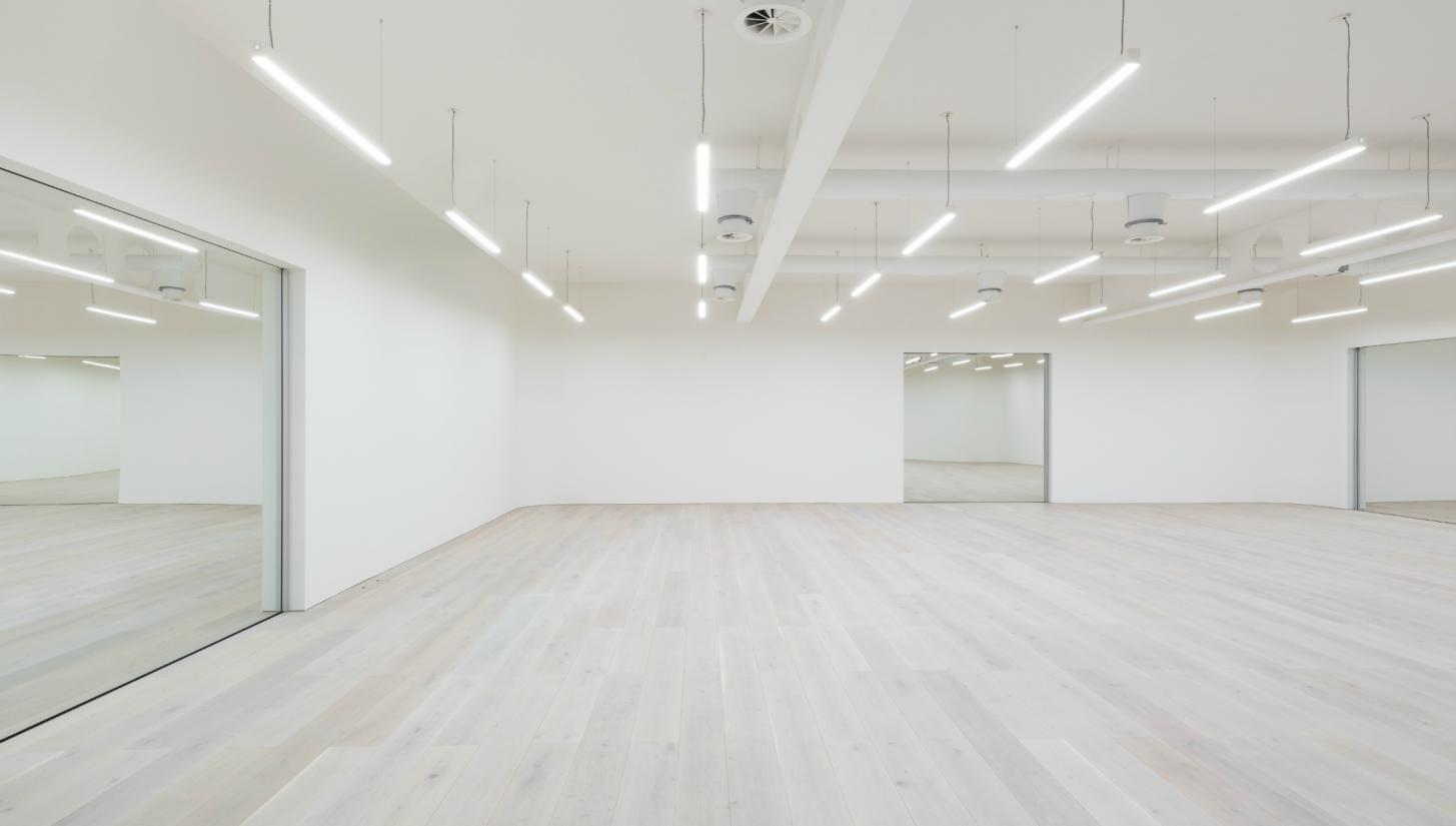 Hire studio wayne mcgregor for Studio floor